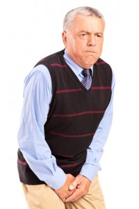 Im Alter steigt das Risiko für die Entstehung einer Blasenentzündung beim Mann.